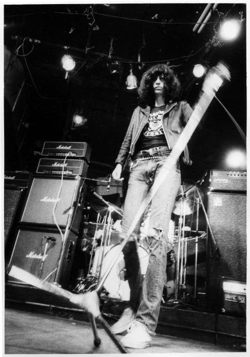Joey Ramone, CBGB's 1977