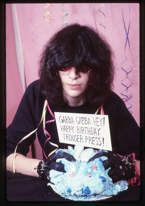 Trouser Press outtake. Joey Ramone 1984 - Photo © GODLIS