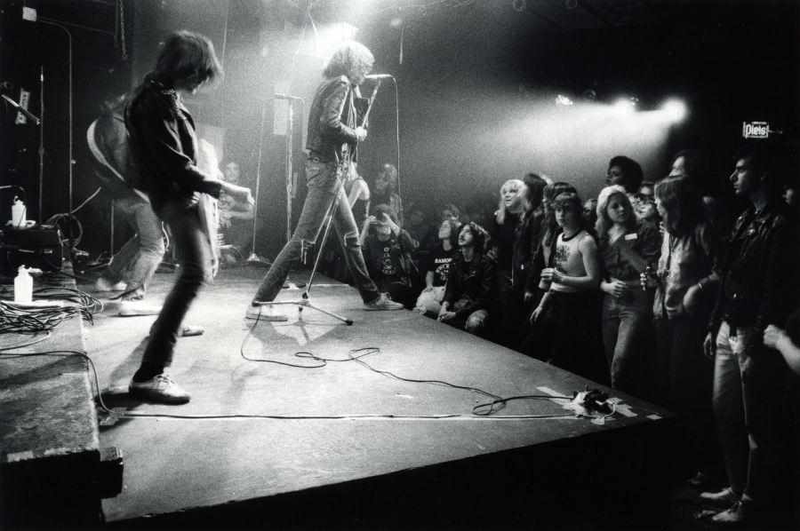 Ramones, CBGB's 1977