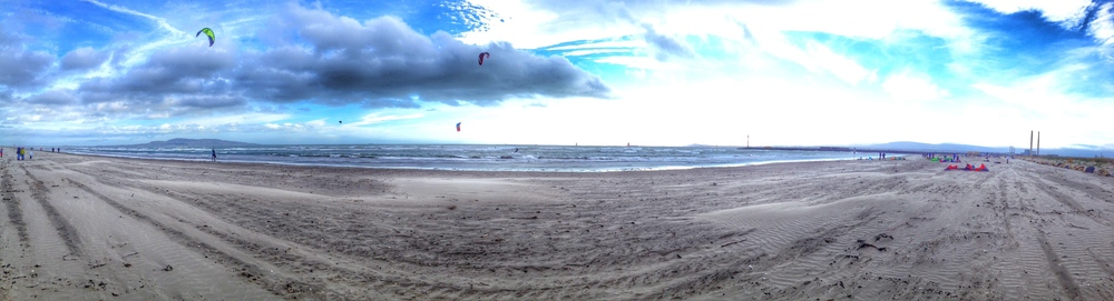 One of the recent windy days on Dollymount Strand in Dublin. Kite surfing is looking more and more appealing.......