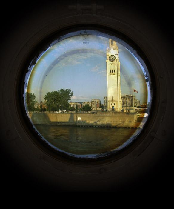 Portholes (clock)