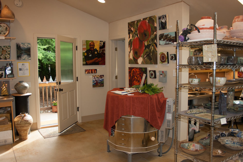 Barbara Wyatt's amazing ceramics studio where I show my work alongside her. This shot is from the 2014 tour.