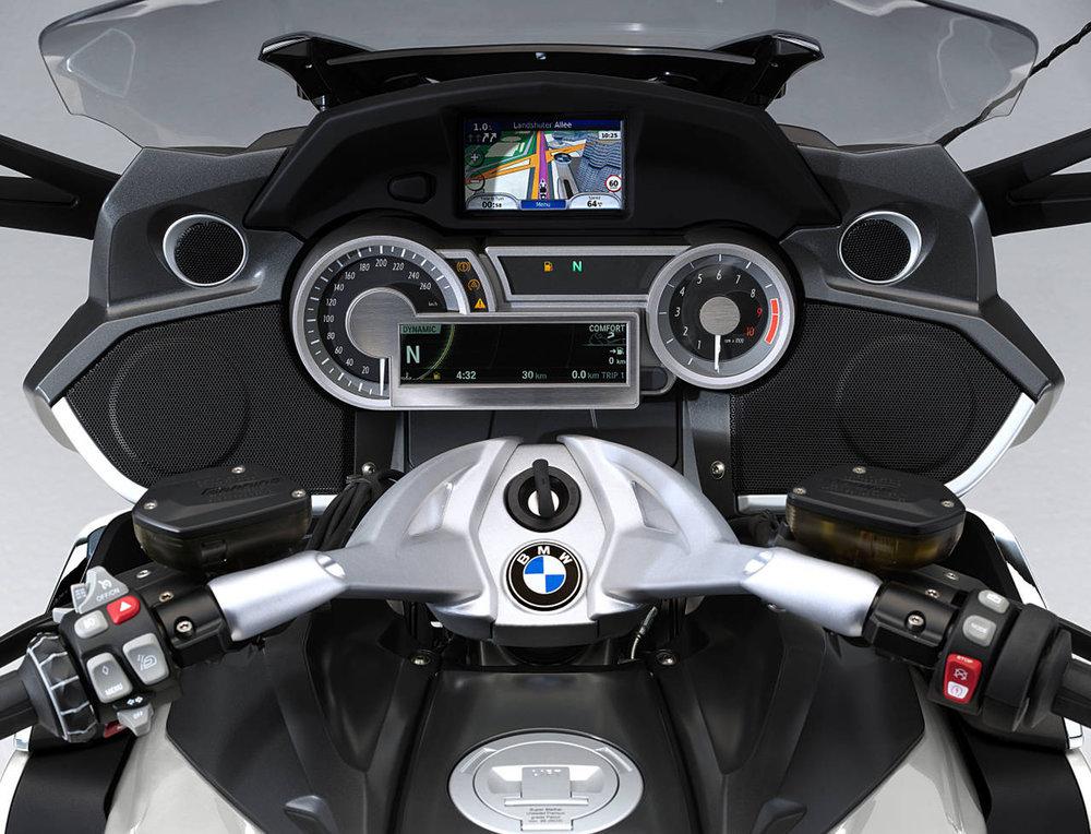 2011-bmw-k1600gt-cockpit-Design.jpg