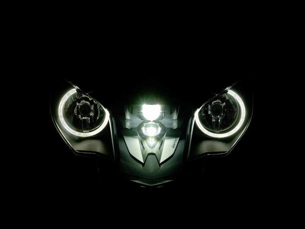 BMW-K1600-32.jpg