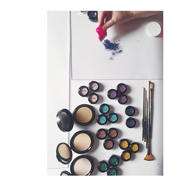 Starting to reassemble my styling kit now that I'm a free agent. Stylists -- What tool can you not live without in your arsenal? ▫️ ▫️ ▫️ ▫️ ▫️ ▫️ ▫️ #stilllifestylist #propstylist #photostylist #stilllifephotography #studiolife #vsco #vscocam #nyx  #makeup #beautystyling #productstyling #bts #latergram #makeupstilllife #makeupstylist #workinprogress #FreshPlexiandtheThinkyBabies