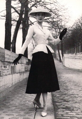 Very early on with his New Look, Christian Dior used large picture hats to balance the new fullness and volume of his skirts and dresses.