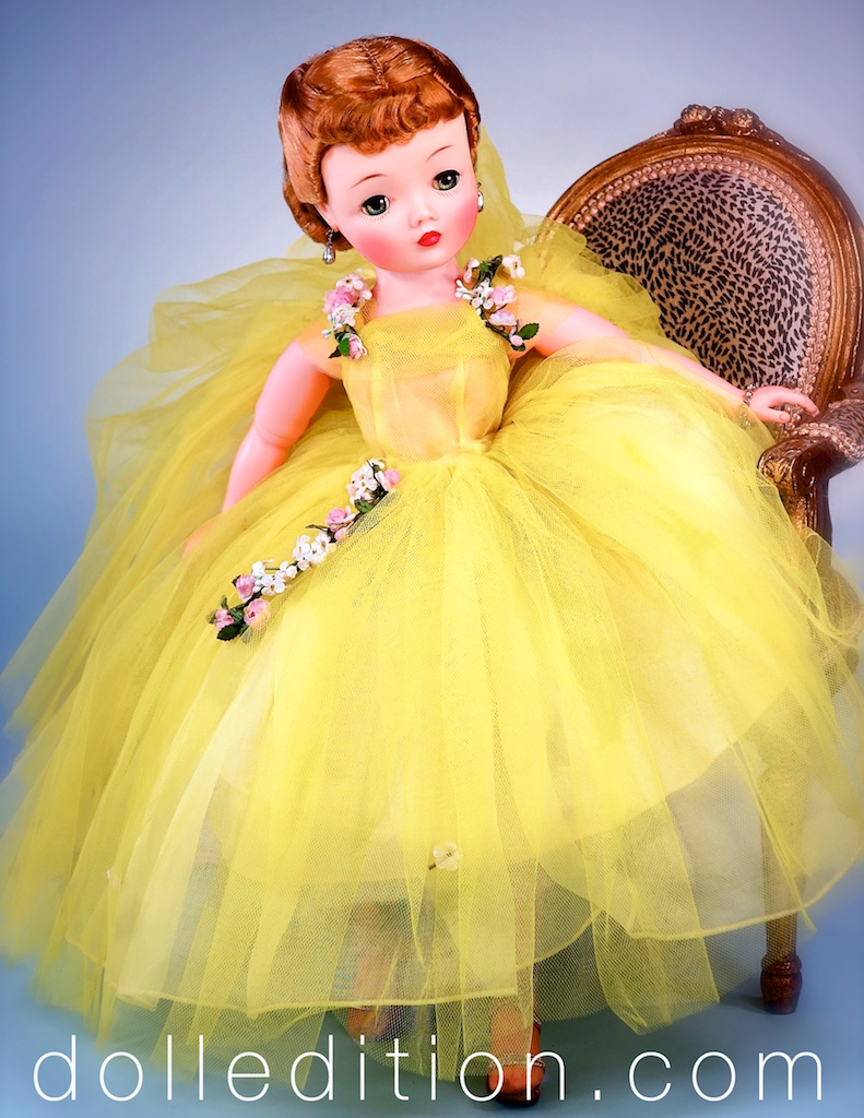 """Cissy"" 1959 No. 2260 yellow tulle demo-longueur length gown with garlands of roses by Madame Alexander."