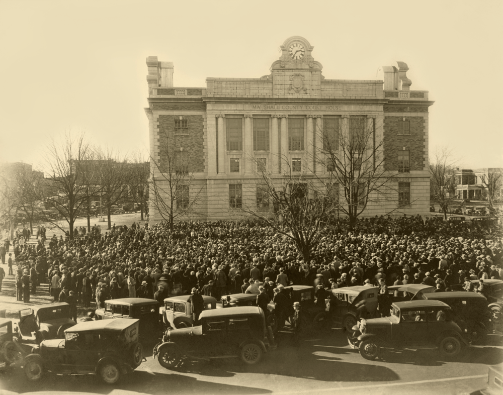 Historical image of the Marshall County Courthouse