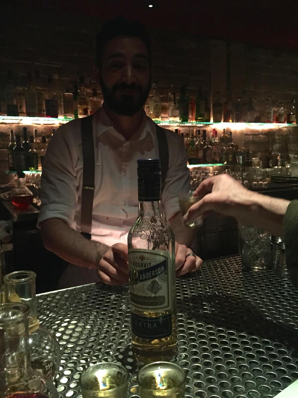 Fick finsnapsen av bartendern som hade varit på Stockholmsturné!