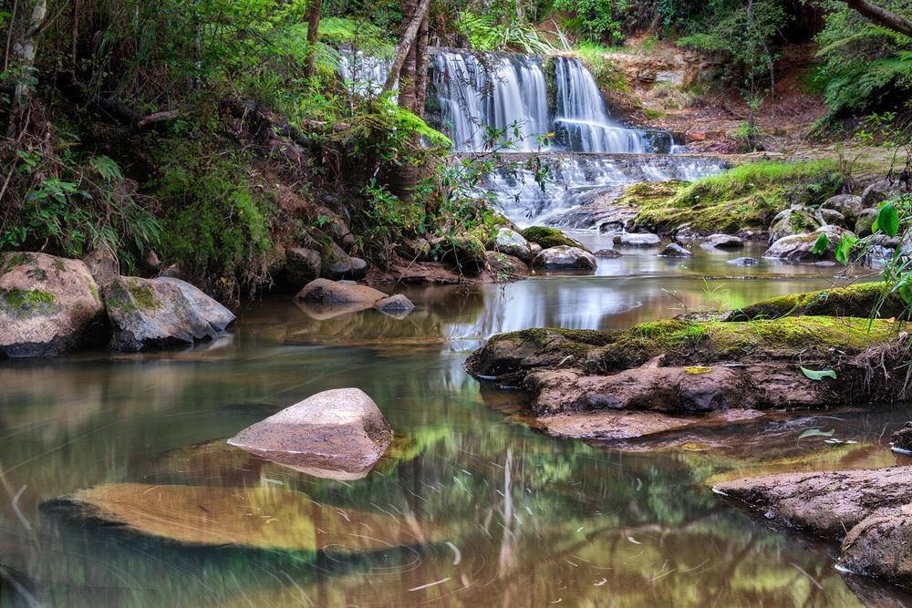 Waitangi_Stream_Cascade.jpg