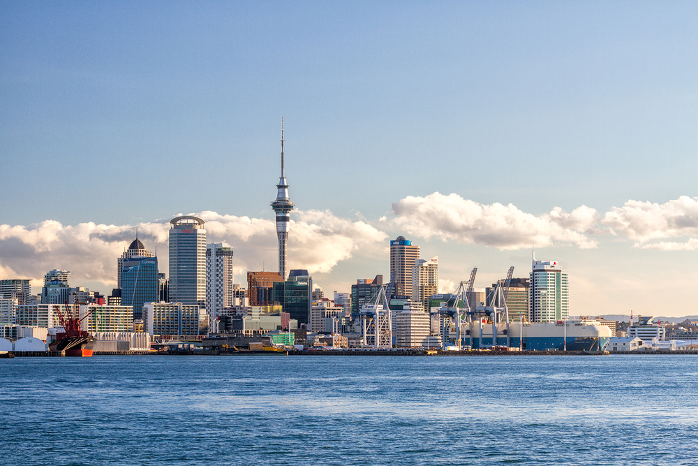 Auckland City Skyline one and a half hours before sunset. 70  mm | 1/80 sec | f8 | ISO200
