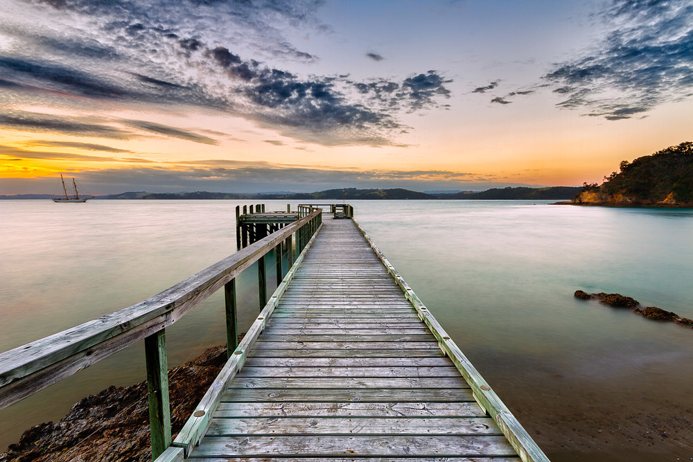 Vivian Bay Wharf at Dusk  . 11mm| 2x exposures @ 1.6 & 6 sec | f16 | ISO100