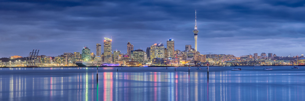 Auckland city panorama | 3 shot pano @ 100mm | 2 exposure blends of 8 and 30 secs | f9.0 | ISO100