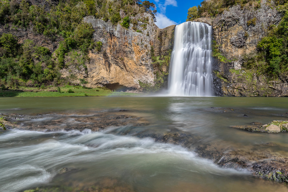Hunua Falls | 24mm | 2x exposure blend @ 0.5 and 2 sec | f22 | ISO100