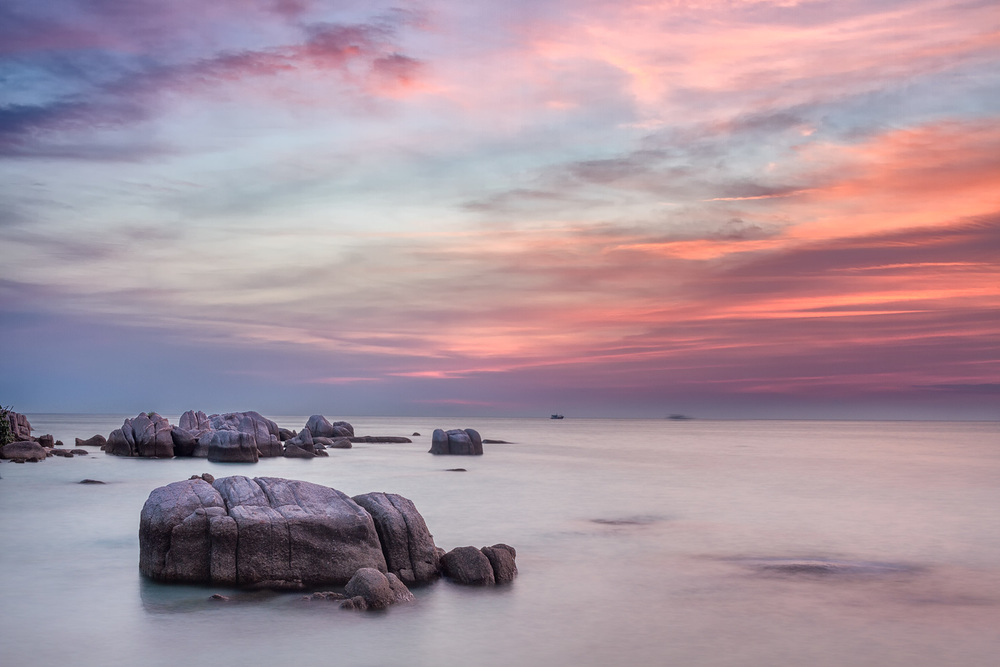 Koh Tao Sunset | 26mm | 2 exposures @ 2.5 & 10sec | f16 | ISO100