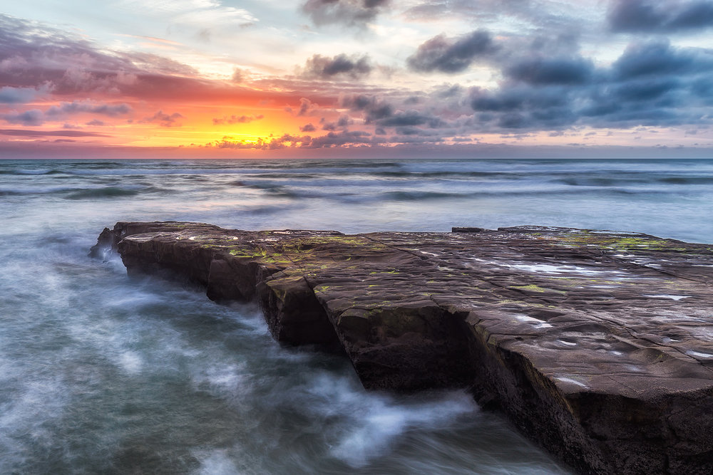 Muriwai Sunset | 28mm | 3 images @ 08 sec, 2.5sec, 8.0sec | f8 | ISO100