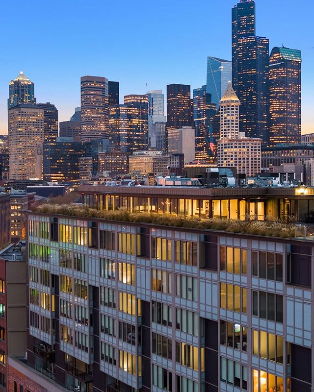 @gridironcondos has been nominated for the 2018 Building of the Year by Seattle Daily Journal of Commerce! Click the link in our bio to view all of the nominees and vote for your favorite! (We hope you choose Gridiron 😁)