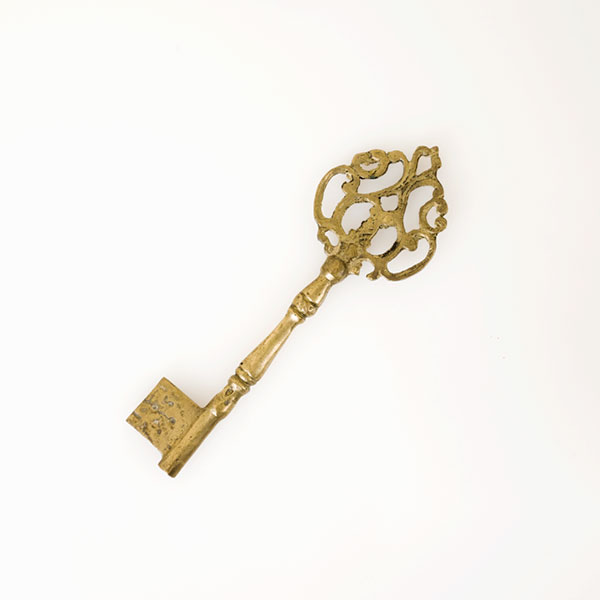Mary hung giant keys on her walls. When I went through sorority rush, I was told that Mary was a member of Kappa Kappa Gamma, whose symbol was the key. It was a teeny bit of the reason why I pledged. But it was just a rumor. Mary Tyler Moore did not attend college.
