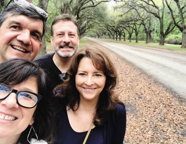 Here we are at the entrance to Wormsloe Plantation, home of four hundred live oaks. (I've long theorized that we pick mates who bear some physical resemblance to ourselves. You can see evidence of my theory above: the couple on the left share meaty bulbous noses and the couple on the right are blessed with the kind of pleasingly linear noses that the art students at Savannah College of Art and Design most definitely prefer to draw.)