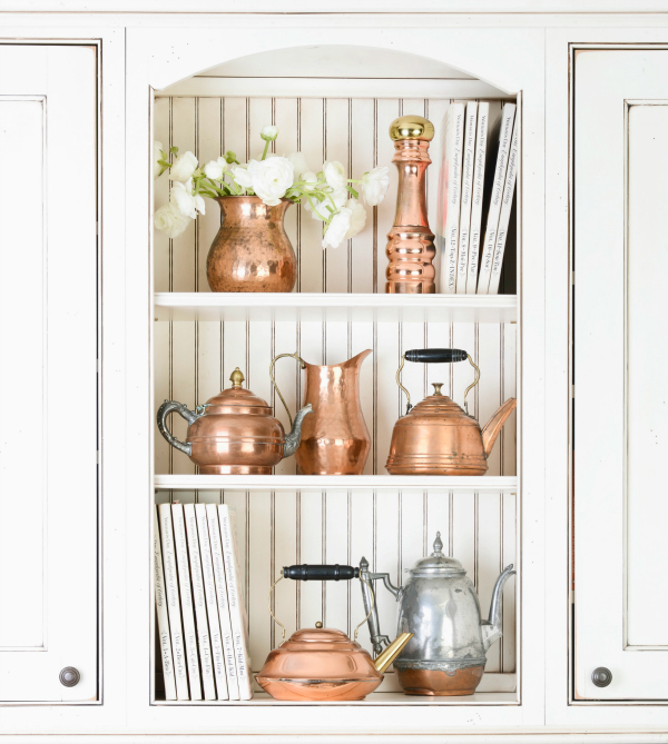 Copper cookware reminds me of that adorable late bloomer, Julia Child. I remember touring her kitchen in the Smithsonian, which had pegboards for her pots and utensils. You can read more about Julia  here .