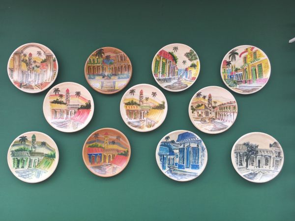 I've got nothing to say about this photo. Plates on walls always remind me of Mithra. I missed her on this trip.
