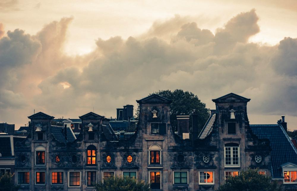 house_1000.jpg