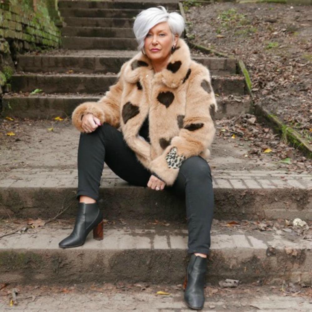 Love this   faux fur  !