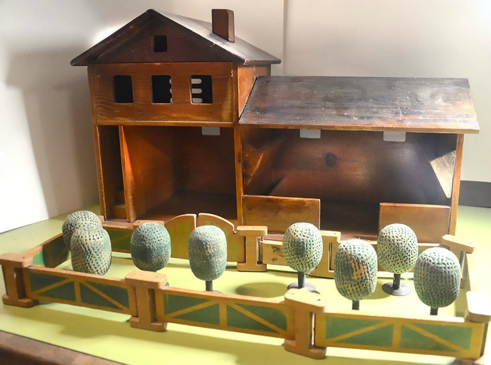 Antiques of the Week:    Want to buy a farm?!  Local peeps, what a  wonderful way to transport yummies  !