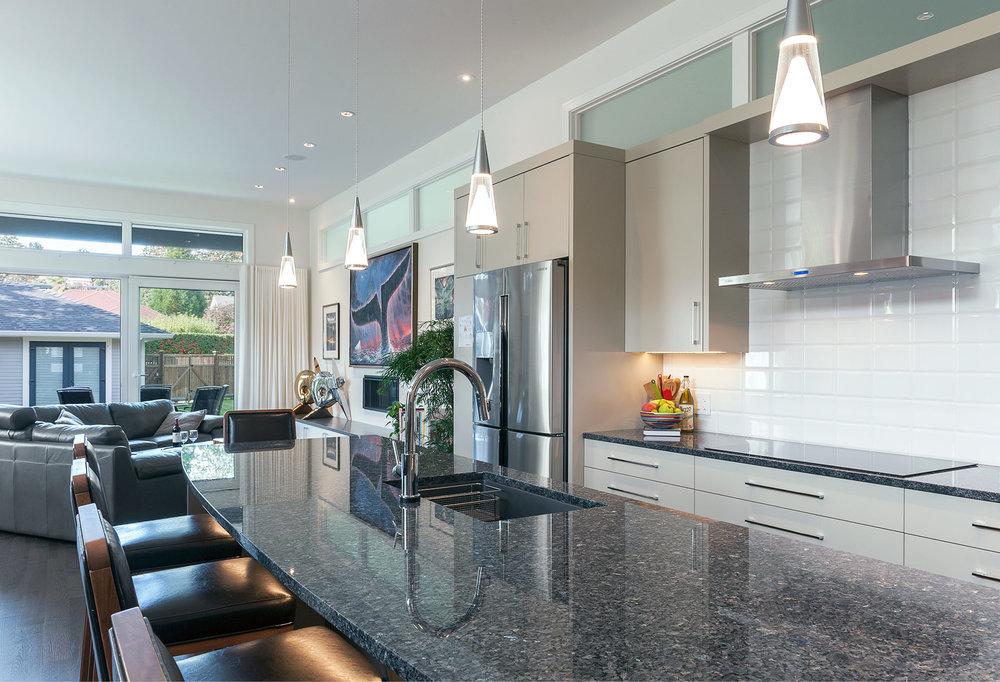 kitchenbar-flat.jpg