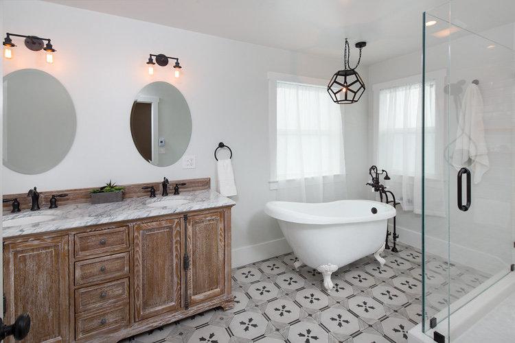 Copy of Rockridge Farmhouse Bathroom