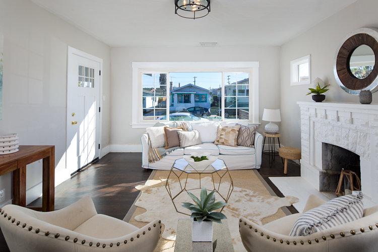 Living Room. 5514 Laverne Oakland CA 94605 Maxwell Park