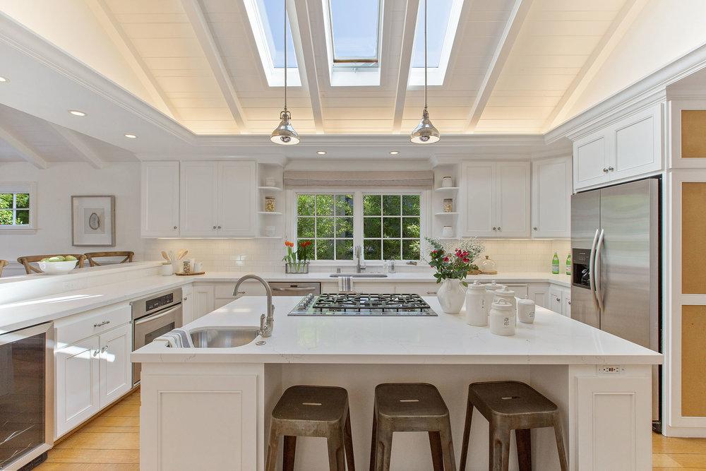Upper Rockridge Kitchen Design and Staging