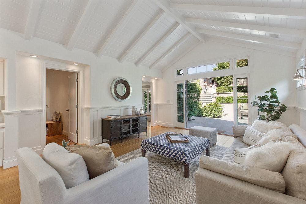 Upper Rockridge Family Room Design and Staging