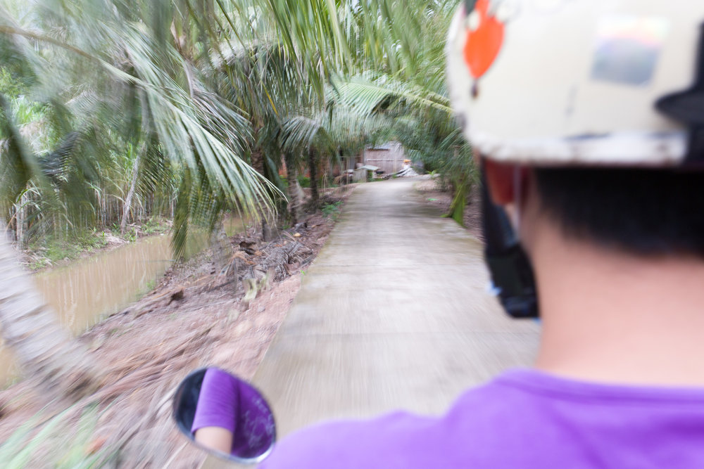 Traveling around the Mekong island in Soc Trang Province.