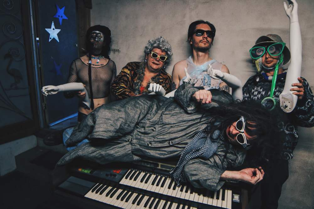 Gary Wilson and the Blind Dates, 2016. L-R, behind Gary: Anders Larsson, Ian McGehee, Joe Guevara, Charlie Bottino. Photo: Nick Lane
