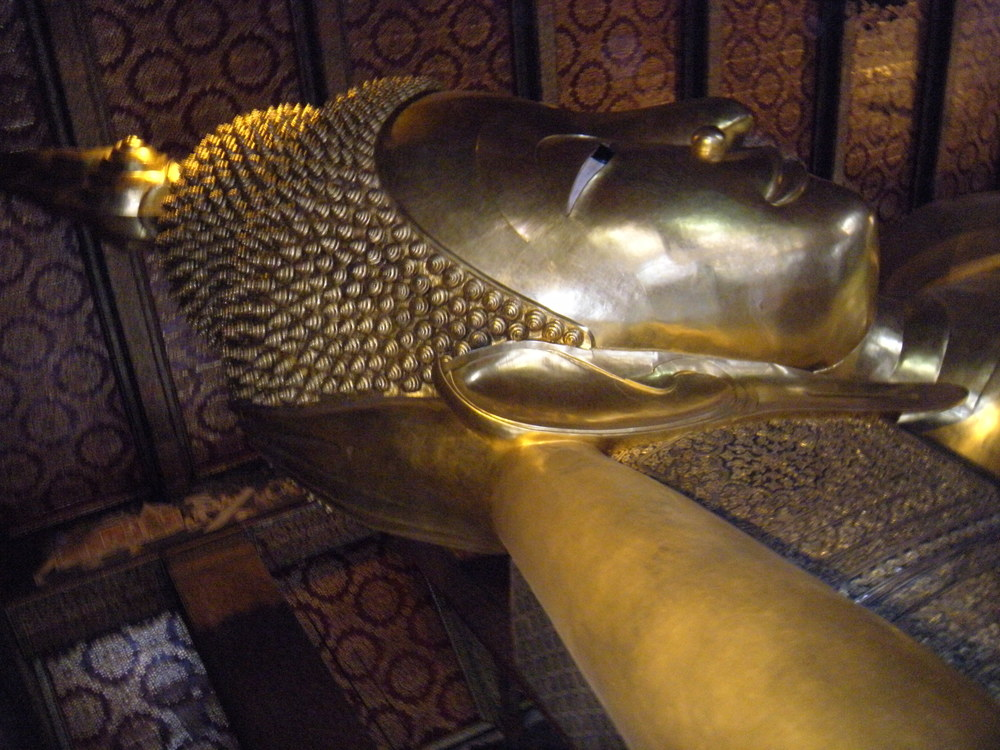 This doesn't do justice to the Reclining Buddha.  He's magnificent.