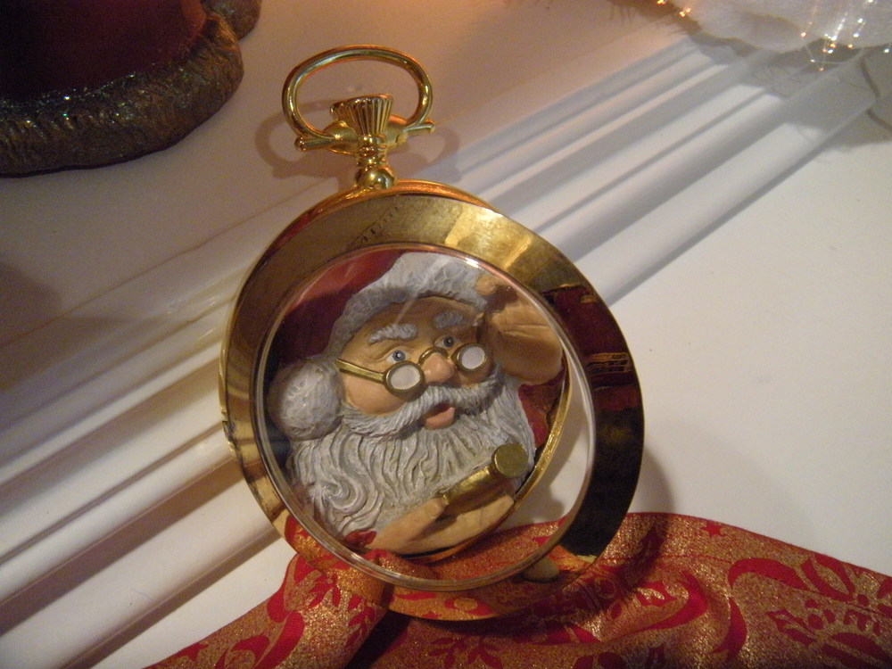 This is one of my favorites--the Santa in the pocket watch is looking at his pocket watch.
