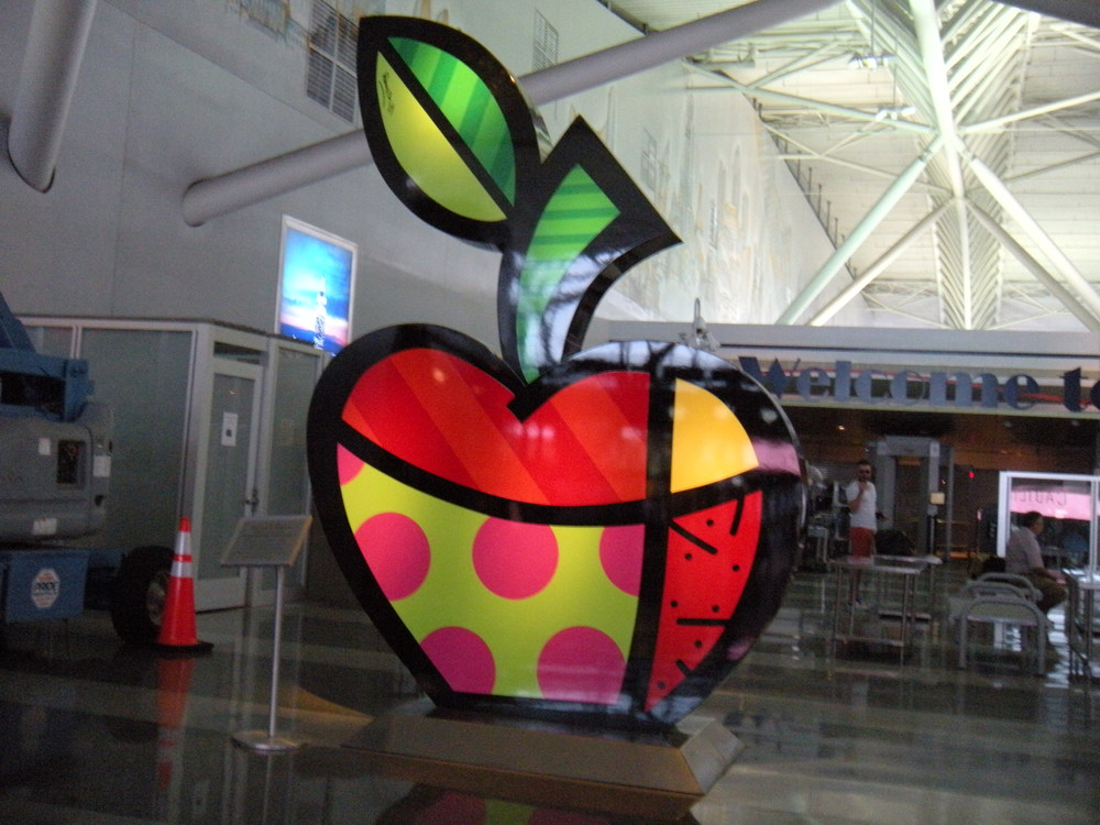The Big Apple.  Several of these colorful apples in Terminal 8.  Are they new?  I like 'em.