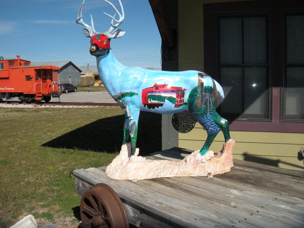 This is Llano's idea of art. Pathetic.