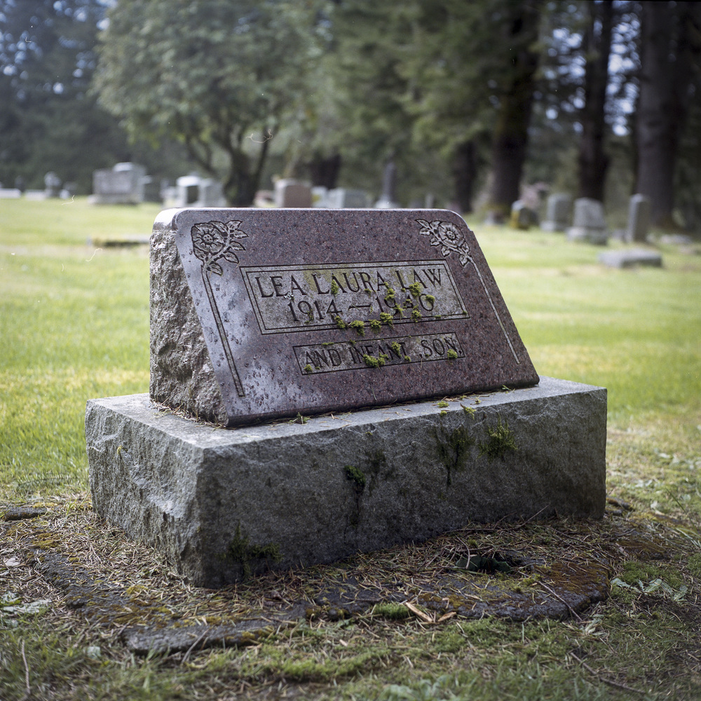 Law gravestone.JPG