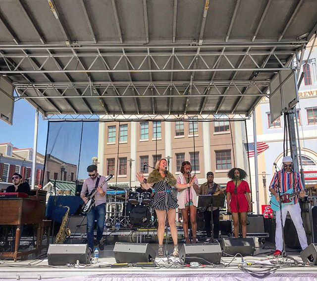 @darcymaloneandthetangle killing it at #frenchquarterfest2018 #darcymaloneandthetangle #neworleansfrenchquarterfest #nola #nolanow #neworleans #frenchquarter