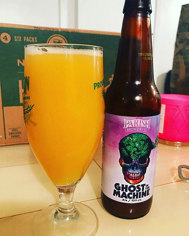 @parishbrewingco #ghostinthemachine is back!!! And SNAPPLESUCE! It's good!! Find it and buy it NOW! (Or tomorrow of you're not savvy enough to find it pre-release) #craftbeer #microbrew #ddhipa #ipa #hopexplosion #hoppy #hops