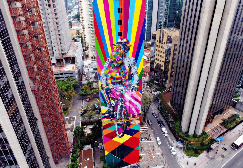San Paolo, Brazil. September 2016 | 60 meters height building |  Art by Eduardo Kobra inspired by Roberto and Eleonora Mararo