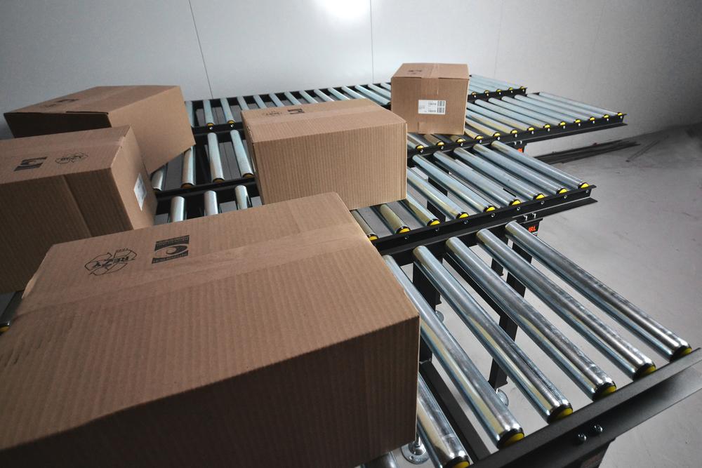 ODRIVNA RULLBANOR JRL bygger odrivna rullbanor där flyttning av gods sker via manuell kraft eller utnyttjar redan existerande hastighet.
