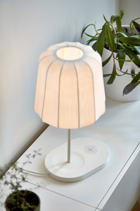 Ikea-wireless-charging-furniture_dezeen_468_1.jpg