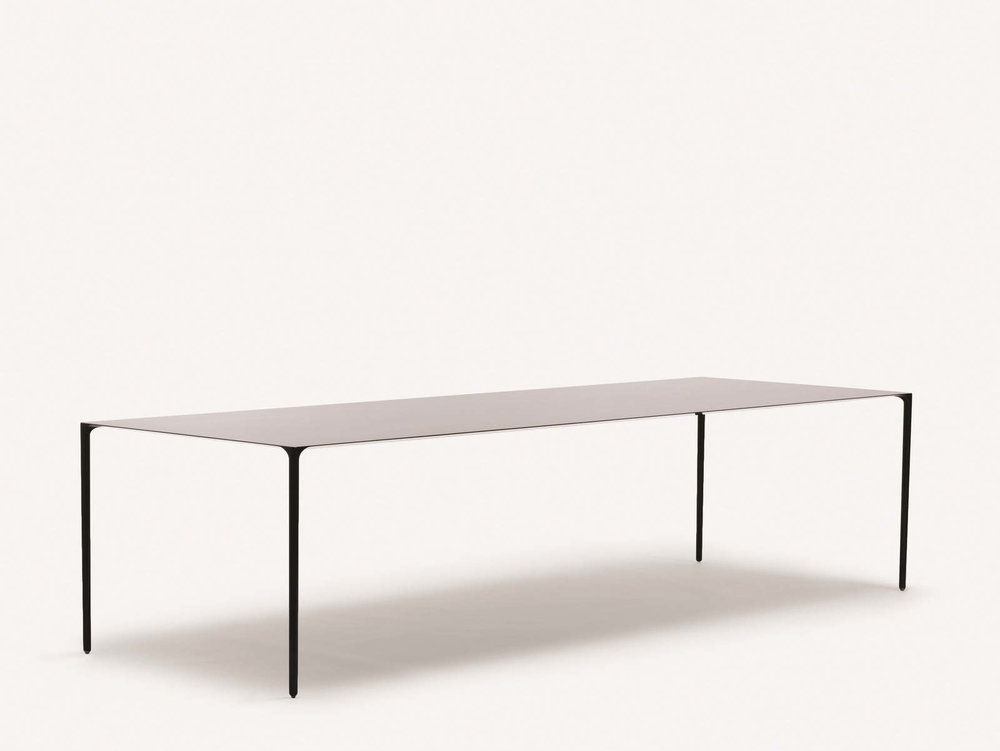 Surface_table_1600_c.jpg