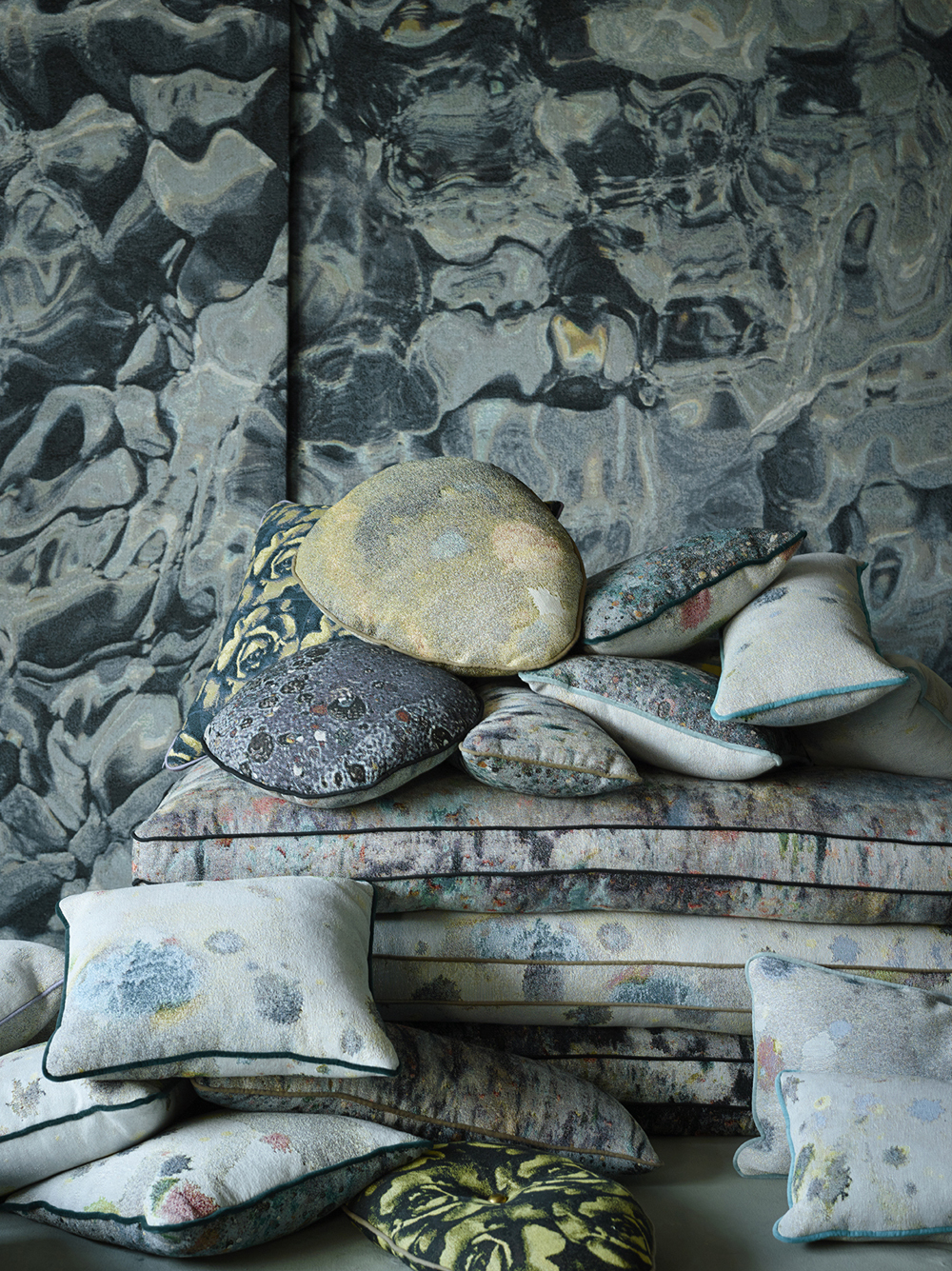 Cushions_RockPool_AccidentialExpressionist_MartynThompsonStudio27_JessTully_med.jpg