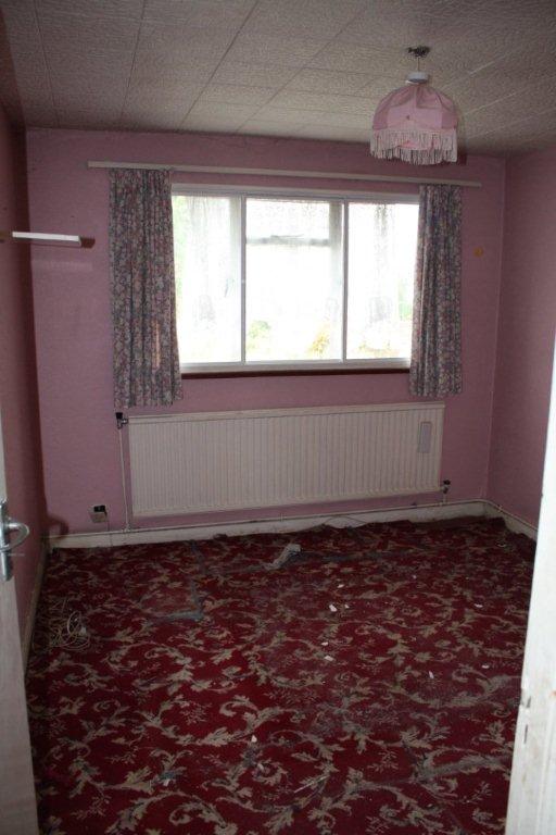 181 Richmond Road - bedroom 2 before.jpg