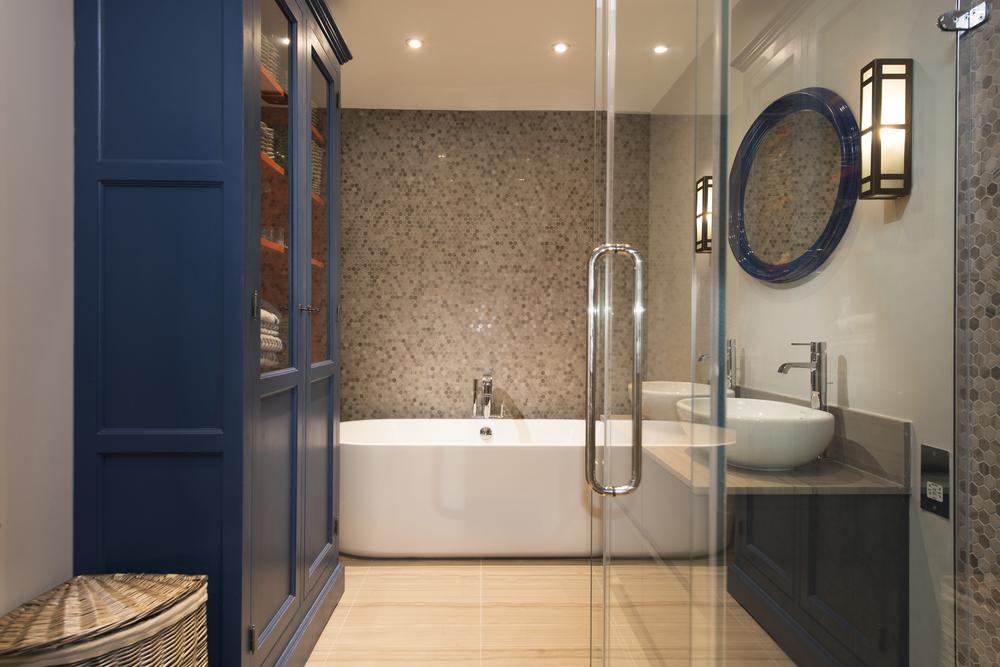 02.1 Bathroom.jpg