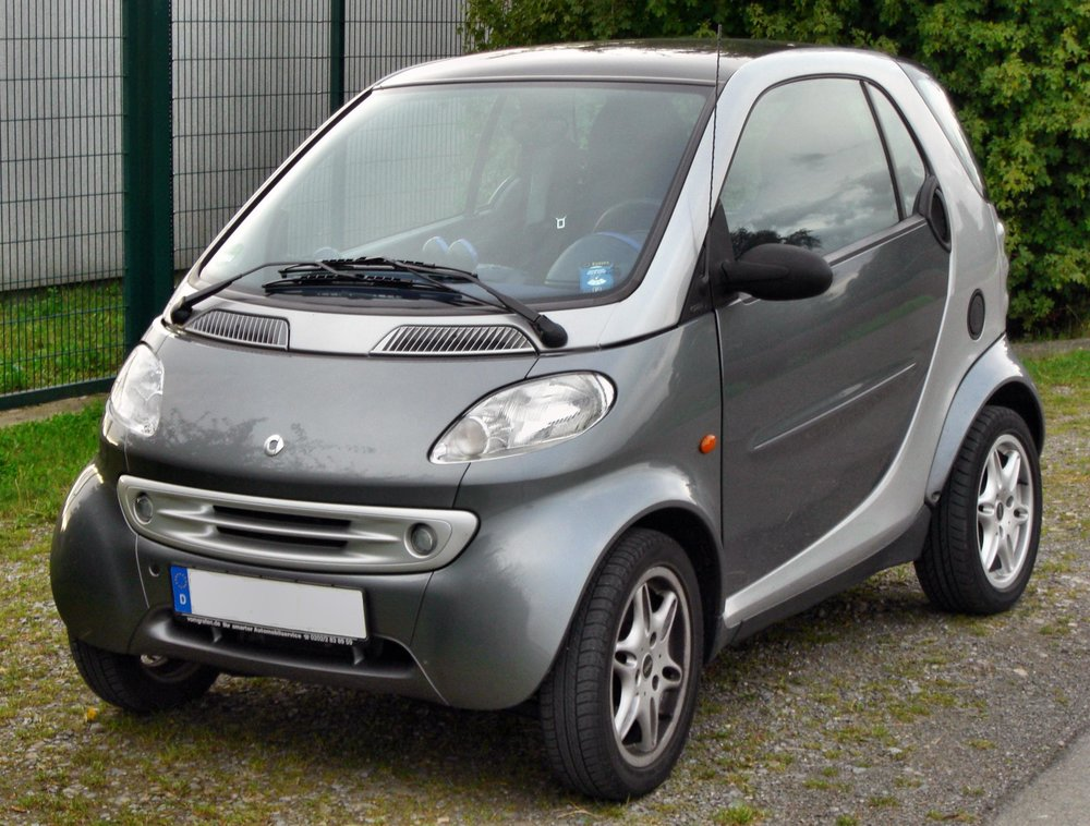 FIRST GENERATION 450 FORTWO   Smart City Coupé (1998–2002) Smart Fortwo Production 1998–2007    Smart ultra-compact cars had multiple models earlier fortwo forfour    Smart were imported to the US by independent importers until 2008    The current lineup is the Smart fortwo model.